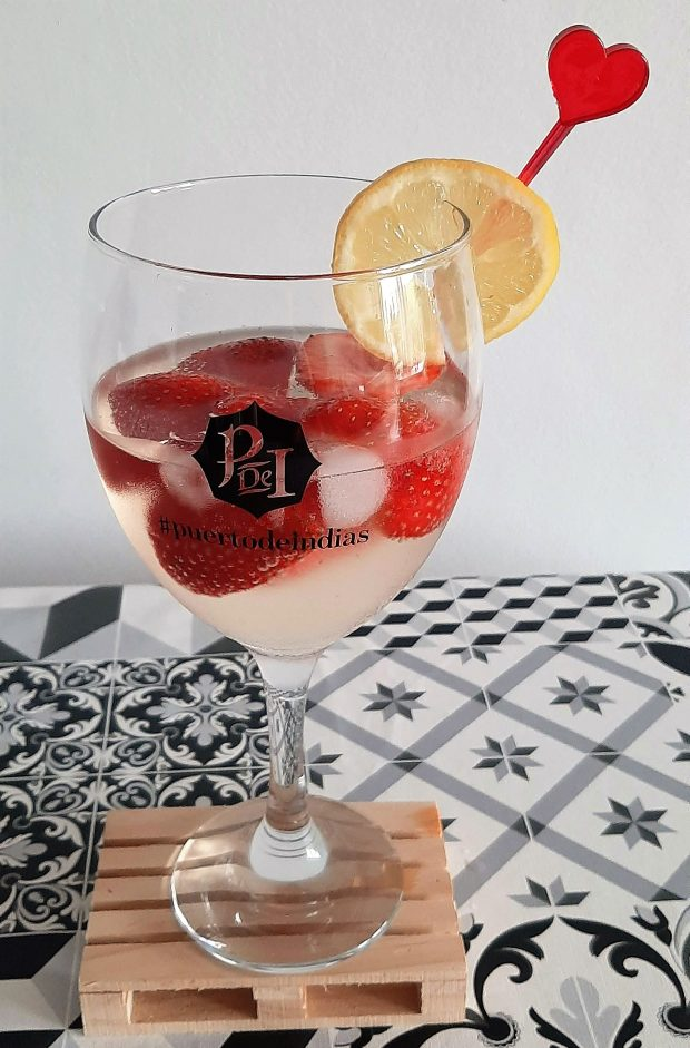 Días-de-cava-y-fresas-cocktail
